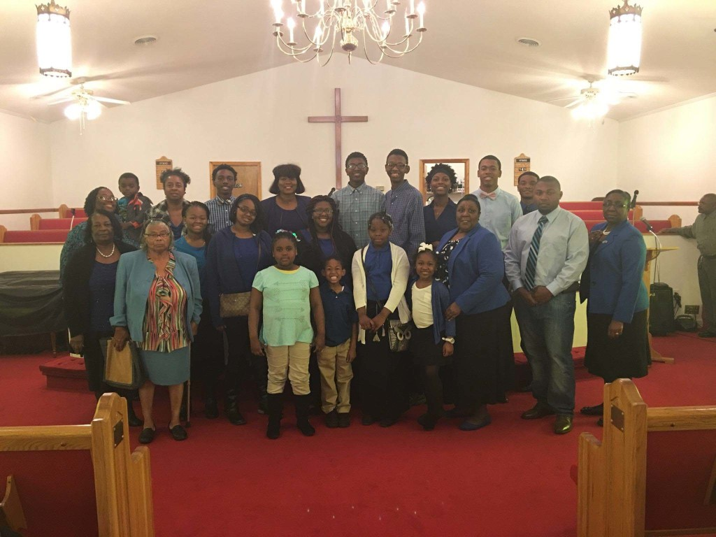 Members of Willow Grove AME Church pose for a picture.